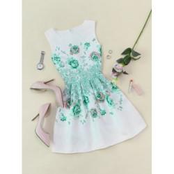 Rochie scurta cambrata cu fusta clos alba model verde